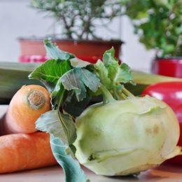 ТОП-5 рецептов салатов из капусты кольраби на зиму