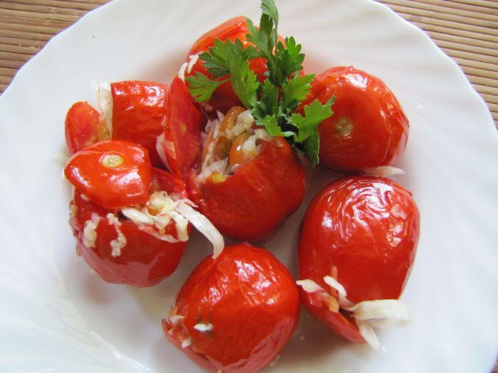 помидоры фаршированные капустой